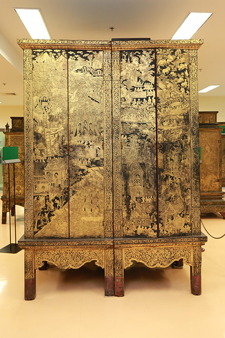 Pig-legged Manuscript Cabinet (National Library of Thailand)